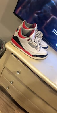 Fire red 3's Gaithersburg, 20882