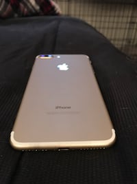 IPhone 7+ MINT CONDITION NEVER USED