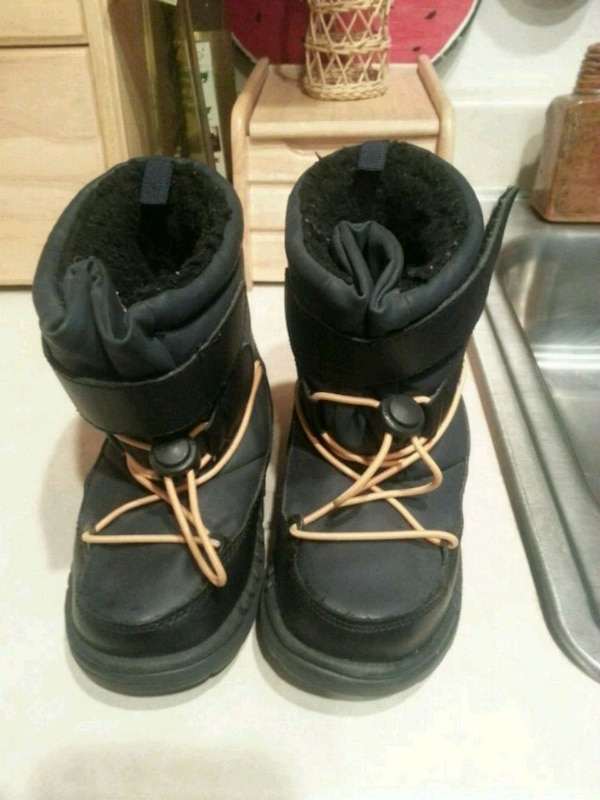 picked up exquisite design sports shoes Used BOYS CARTER'S RAIN/SNOW BOOTS SIZE 11 BLUE for sale in ...