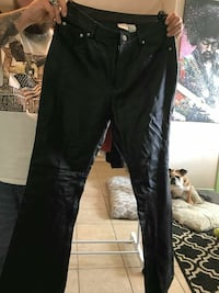 Womens leather pants size 10t Fort Myers Beach, 33931