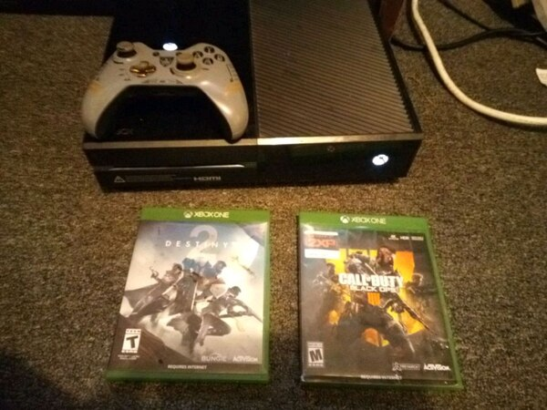 Xbox one, destiny2 and Black ops 4
