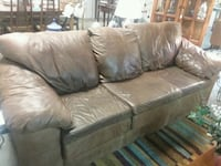 Real leather couch Strawberry Plains, 37871