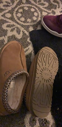 uggs.     size 12 Springfield, 01109