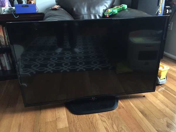LG 50LN5400 for parts or repair.  Backlight went out.  All else works