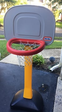 White and red little tikes basketball hoop Germantown, 20876