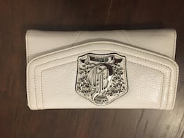Well maintained Guess clutch
