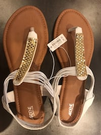 Ardene Sandals (9) NEW* Mississauga, L5N 1L3