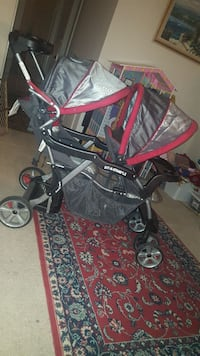 baby's silver and red tandem stroller McLean, 22101