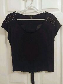 Size M - Streetwear Black crop studded top