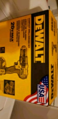 MUST SELL NEVER OPENED DEWALT 20 VOLT DRILL/DRIVER KIT WITH 2 BATTERIE