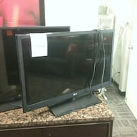 "LED 37"" tv. 2013 Oakville, L6L 5N1"