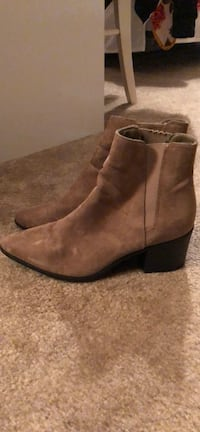 Tan booties Frederick, 21703