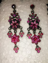 Pink stone flower earrings