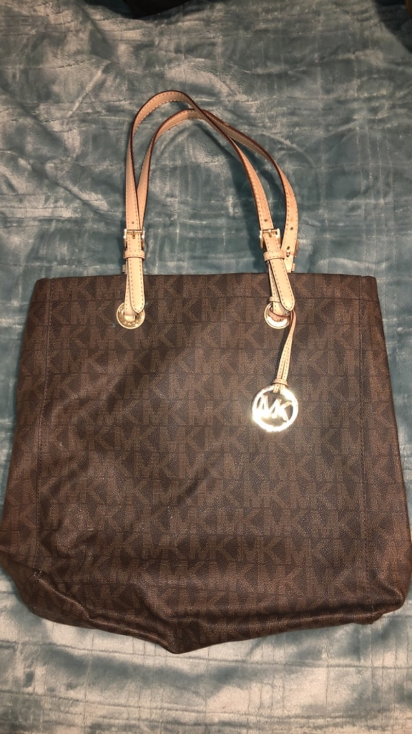 a3ff0f97fbd5 Used Michael Kors Tote Bag for sale in New York - letgo