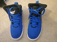 Nike Shoes youth size 7 Edmonton, T6M 2N6