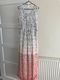 white and brown floral sleeveless dress Romford, RM3