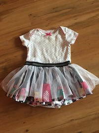 Two piece baby girl outfit (3-6months)