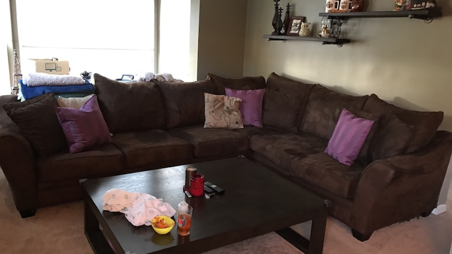 Used chocolate brown microfiber sectional couch in bellevue for Sofa couch bellevue