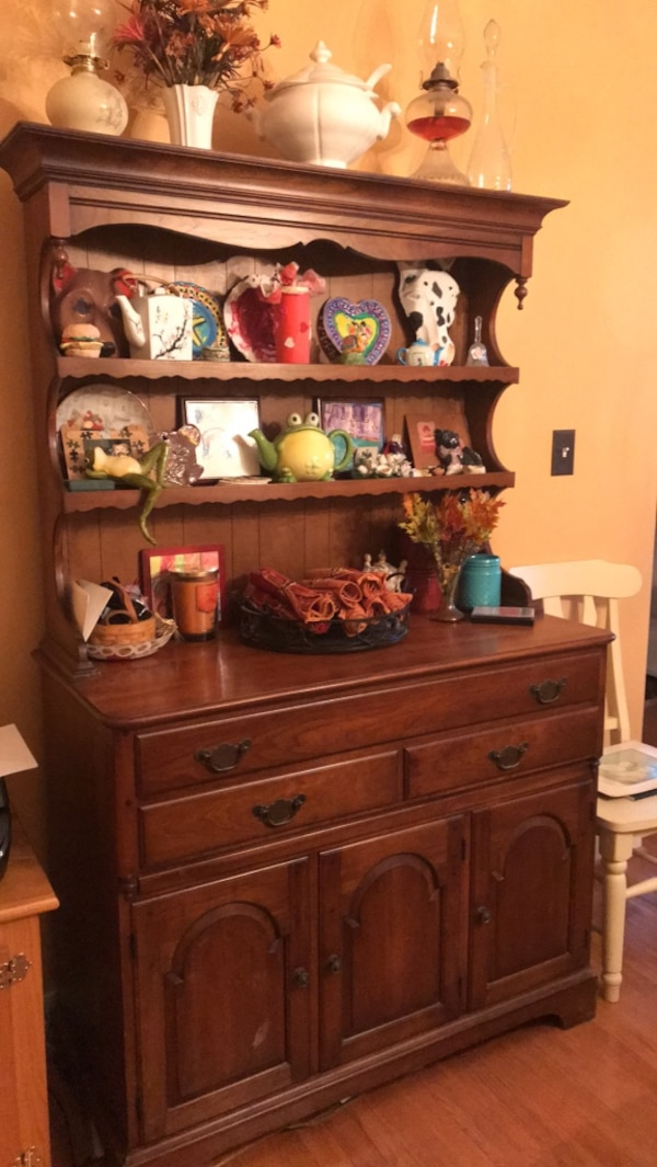 Dining Room Buffet And Hutch