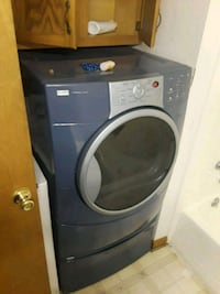 black front-load clothes washer Hagerstown, 21740