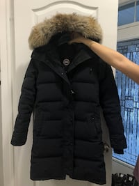 Canada goose parka ( shelbourne)  null