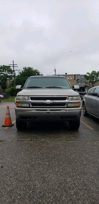 Chevrolet - Suburban - 2002 Baltimore, 21224