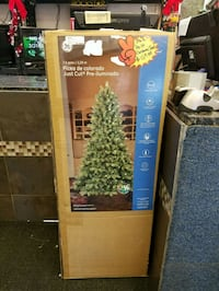 GE Pre-lit Christmas Tree (NEW) Woodbridge, 22191