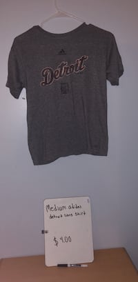 black and gray crew-neck t-shirt Inkster, 48141