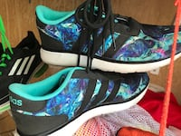 Adidas running /walking shoes size 6.5 women's  Centreville, 20121