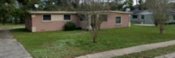 3 Bedroom 2 Bathroom Home in Jacksonville
