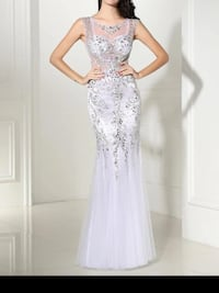 White very beaded gown,scroll down to view more Brampton, L6Z 0B4
