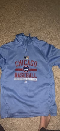 cubs hoodie size S