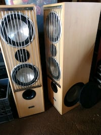 Tower speakers Mt Joy, 17552