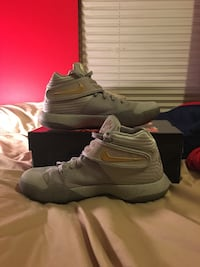 Kyrie 2 Battle grey  Saint Charles, 63301
