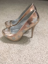 Gold Charolette Russe Heels St Catharines, L2T 1P9