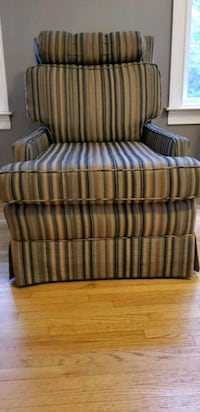 Set of silk striped swivel chairs Blairstown, 07825