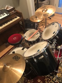 5-piece black and red drum set