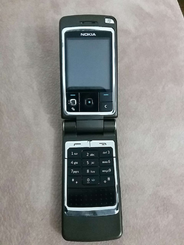 Nokia Flip Phone >> Black And Grey Nokia Flip Phone Usado En Venta En Mimarsinan