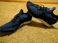 pair of blue-and-black running shoes Winnipeg, R3M 3L4