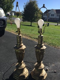 Two antiqued gold tables lamps -- no shades Hedgesville, 25427