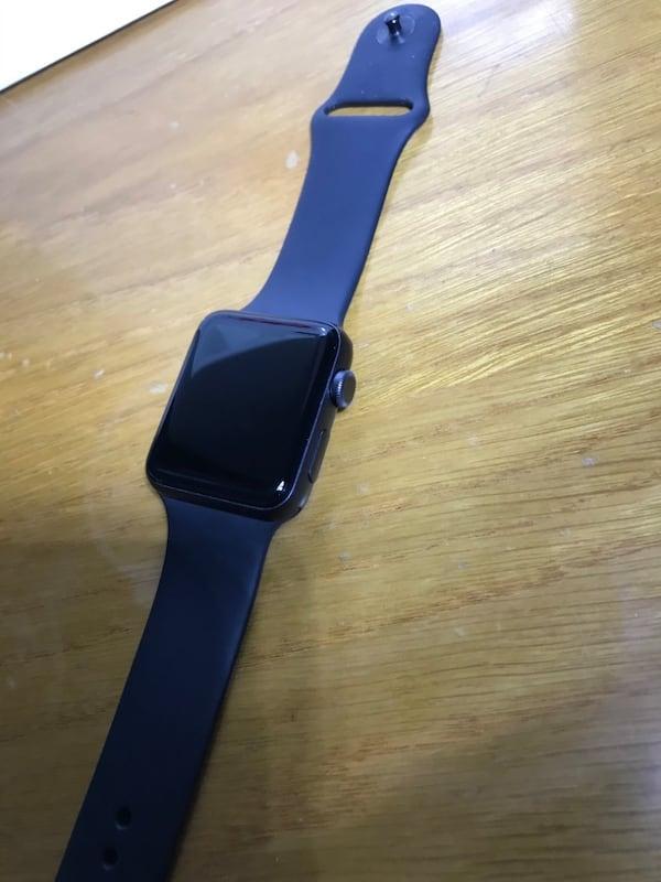 Apple Watch Series 3 42MM 8cd361ed-8b4f-4520-8611-ca2a5c2aa3be