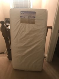 white and gray bed mattress Grimsby, L3M 2Z9