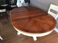 Pedestal Dining Table & Chairs Kitchener