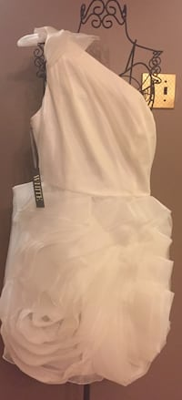 Vera Wang Dress Mississauga, L4Z 3L6