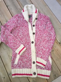ROOTS* womens cabin sweater-limited edition raspberry shade women's size XS/S gently used  London, N5W 1S3
