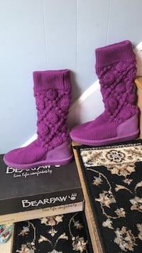 Pair of purple floral bearpaw boots size 6 Maynard, 01754