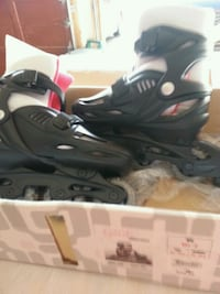 pair of black inline skates Mississauga, L5N