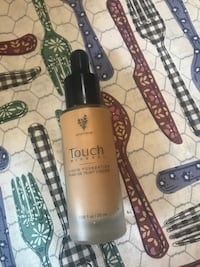 YOUNIQUE touch foundation  Riverside, 08075