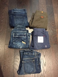 5 pairs of name brand jeans Toronto, M9V