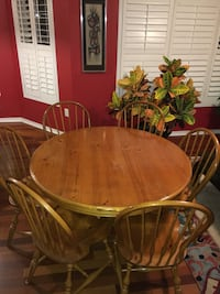 Solid wooden table + 6 chairs Markham, L6B 1K2